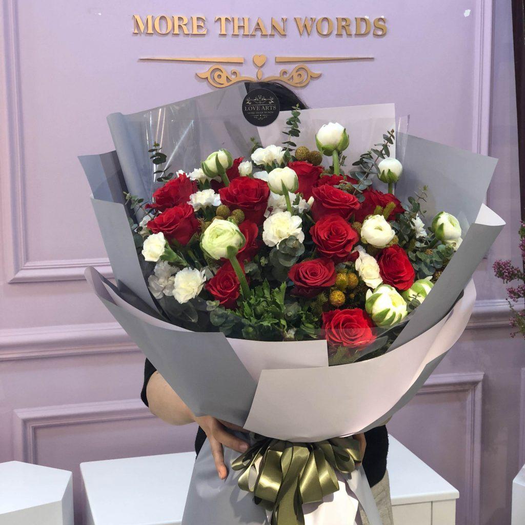 Hoa hồng tặng bạn gái mang ý nghĩa tình yêu mãnh liệt